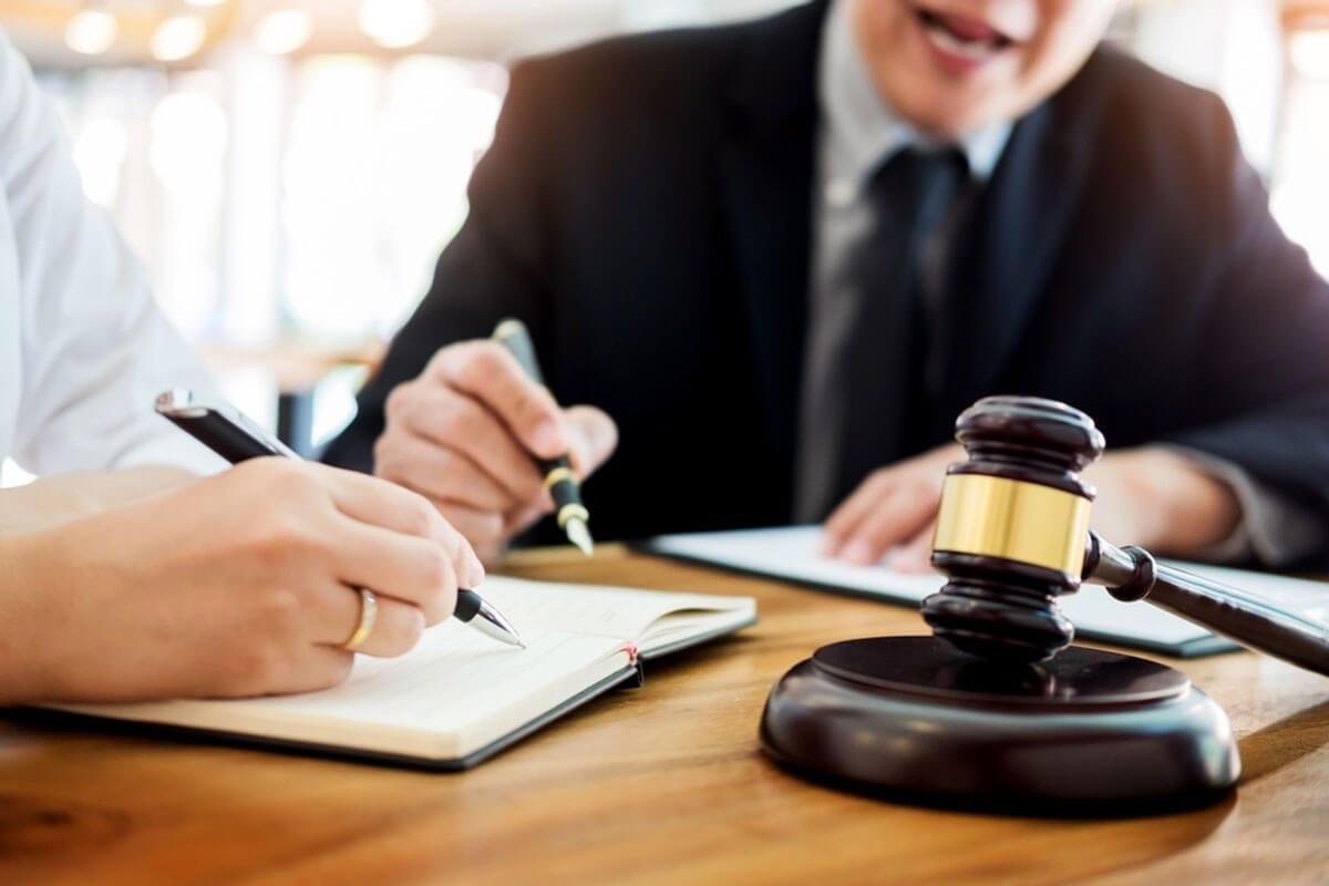 وکیل تاپ