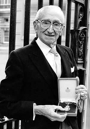 فردریش آگوست هایک (1899-1992)