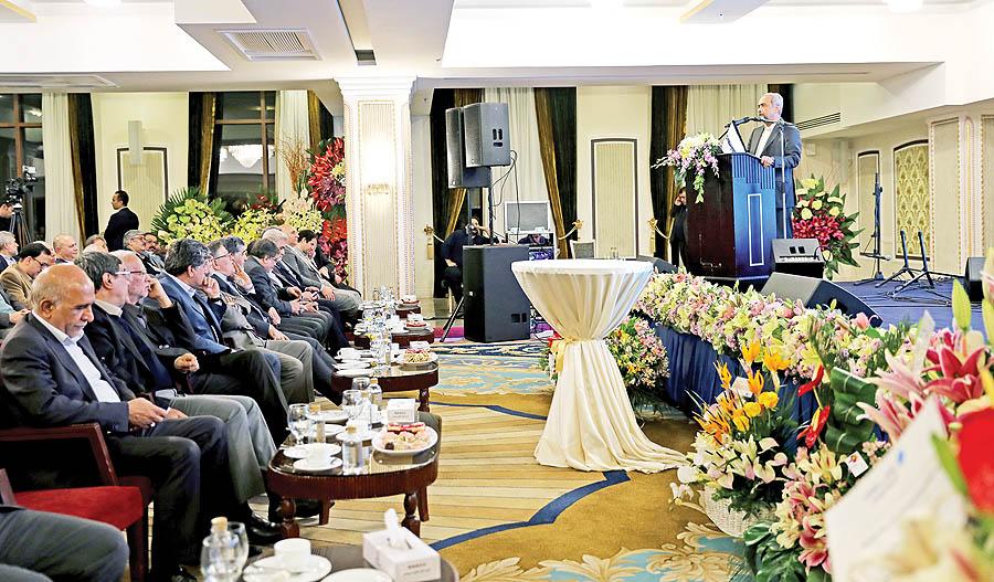 جشن  دنیای اقتصاد در چند نما