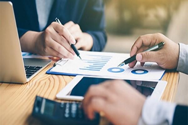 بررسی درآمد و نحوه حسابداری شرکت تولیدی