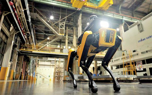 سگ روباتیک از ایمنی کارگران خودروسازی محافظت میکند