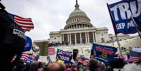 آمریکا در آستانه جنگ داخلی است؟
