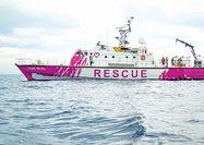 کشتی بنکسی برای پناهجویان