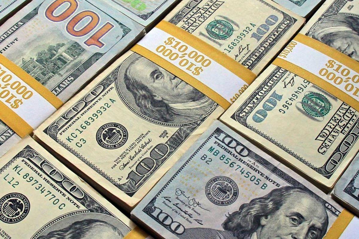 دلار باز هم عقب نشست