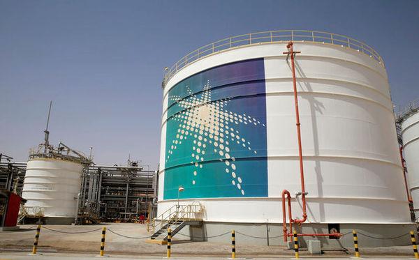 قیمت فروش نفت عربستان کاهش یافت