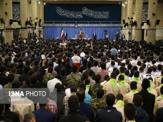 دیدار دانش آموزان و دانشجویان با رهبر انقلاب