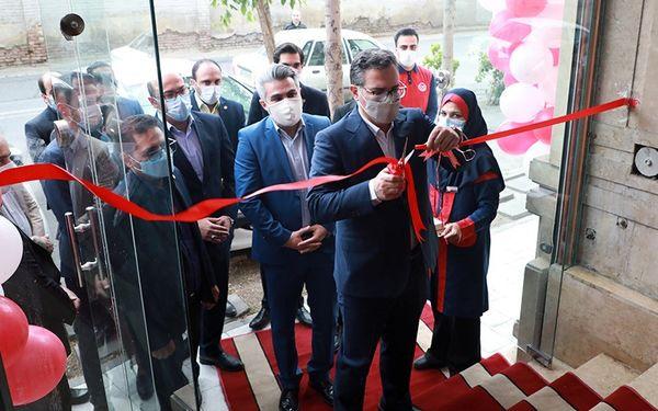 افتتاح نخستین شعبه فروشگاه تمام اینترنتی(دارک استور) افق کوروش