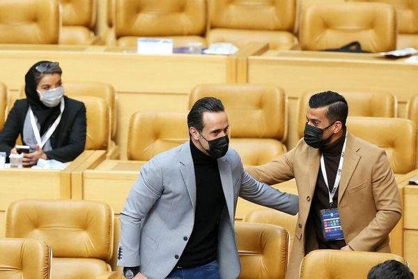 علی کریمی سالن مجمع انتخابات را ترک کرد