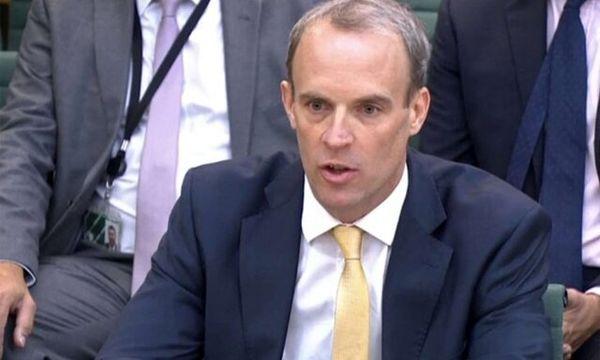 وزیر خارجه انگلیس استعفا می دهد؟