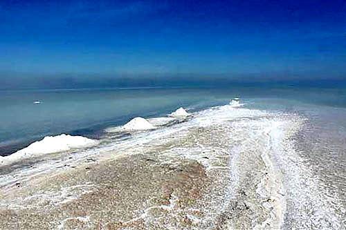 بحران نمکی دریاچه ارومیه
