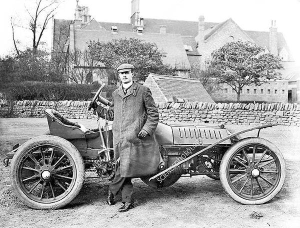 پیشگامی چارلز رولز  در خودروسازی و هوانوردی