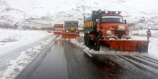 بارش برف در جادههای شمال/ پرهیز از ترددهای غیرضروری