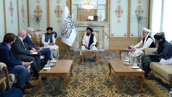 سفر ناگهانی نمایندگان انگلیس به کابل /  اهداف  لندن از  ملاقات های علنی با طالبان