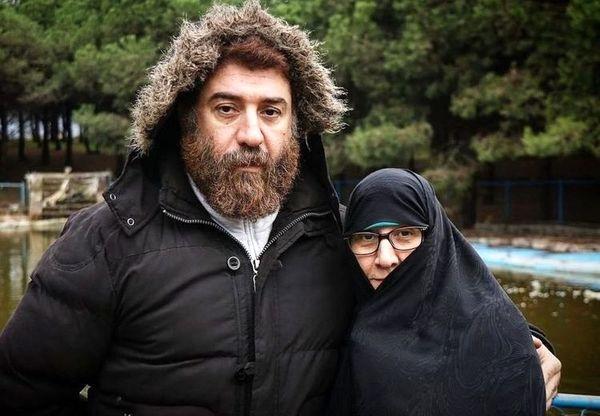 واکنش مادر علی انصاریان به اظهارات خانم بازیگر