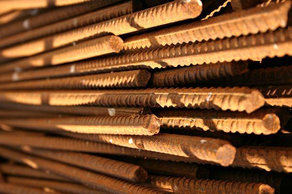 تعیین قیمت محصولات فولادی در بازار چگونه انجام میشود؟