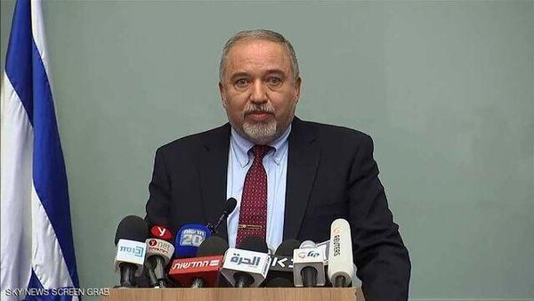 لیبرمن: باید یهودیان افراطی و نتانیاهو میان زبالهها انداخت