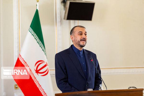 ورود  وزیر امورخارجه ایران به فرودگاه بیروت
