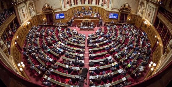 قانون ضد اسلامی در پارلمان فرانسه تصویب شد