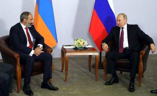 درخواست پوتین از نخست وزیر ارمنستان: آتش بس فوری در قره باغ