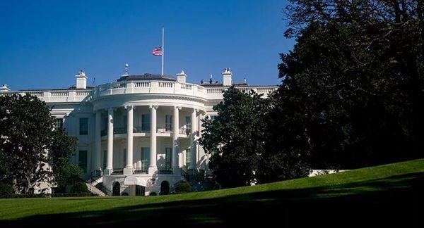 چند کارمند کاخ سفید به کرونا مبتلا شدند؟