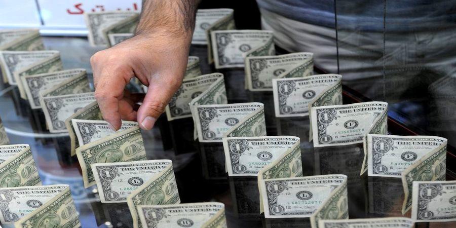 آیا قیمت دلار به زیر ٢٠ هزار تومان می رسد؟