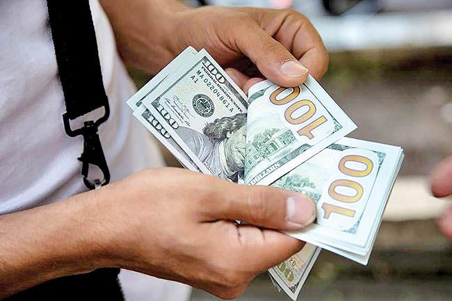 قطع موقت افت دلار