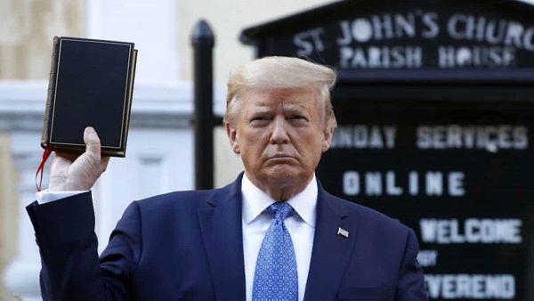 نویسنده برجسته مسیحی: مسیحیان باید ترامپ را به زبالهدانی بیاندازند