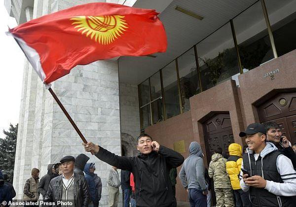نتایج انتخابات پارلمانی قرقیزستان باطل اعلام شد