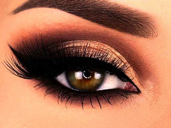 چگونه با آرایش، چشمانی درشت تر داشته باشیم؟