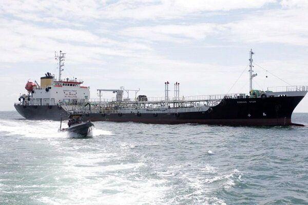 اندونزی یک نفتکش را توقیف کرد