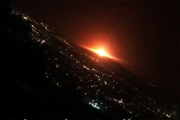 صدای مهیب انفجار در شرق تهران/آسمان نارنجی شد+فیلم