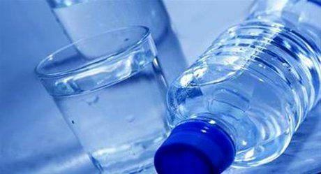 آب معدنی گران نمیشود/ دست پتروشیمی در جیب تولیدکنندگان