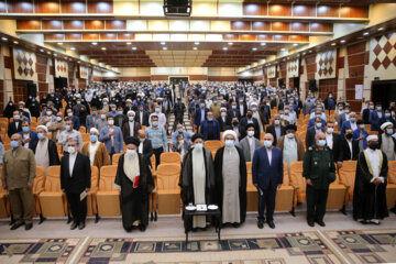 دیدار رییس جمهوری با نخبگان، علما و خانواده های شهدا