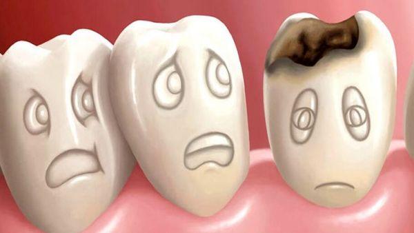 این خوراکیها دندان شما را نابود میکنند