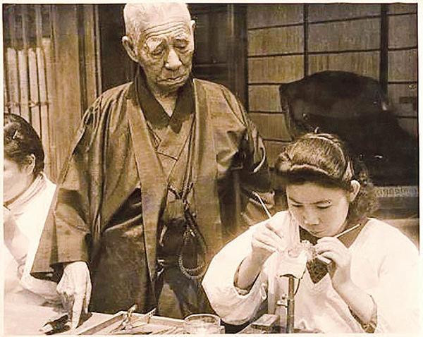 میکی موتو کوکیچی آغازگر صنعت «مروارید پرورشی» در ژاپن