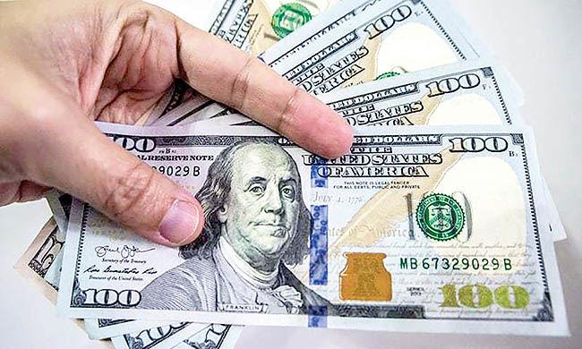 فرار ترامپیها از بازار دلار