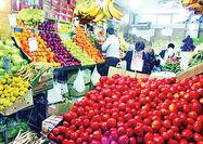 بازار میوه در چنگ دلالان است