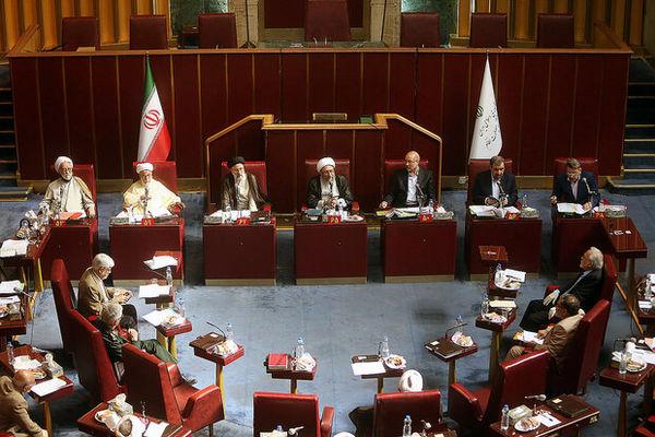 گزارش همتی از وضعیت اقتصادی کشور به مجمع تشخیص مصلحت