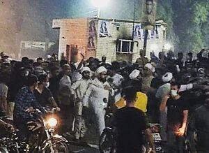حضور طلاب در تجمع معترضان خوزستانی+عکس
