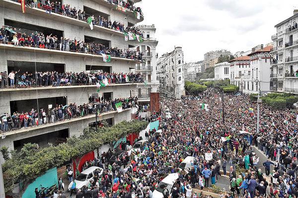 صدای پای انقلاب در الجزایر