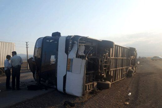 واژگونی اتوبوس تهران -مشهد با ۲۳ سرنشین