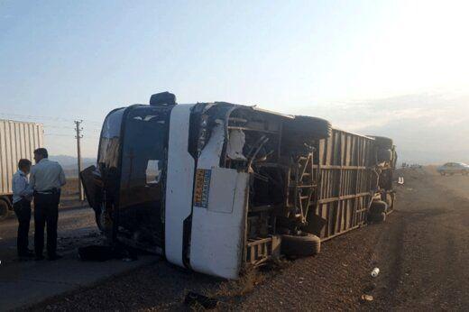 واژگونی یک اتوبوس در دامغان