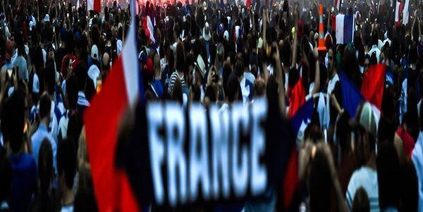 اعتراض به محدودیتهای کرونایی در پاریس