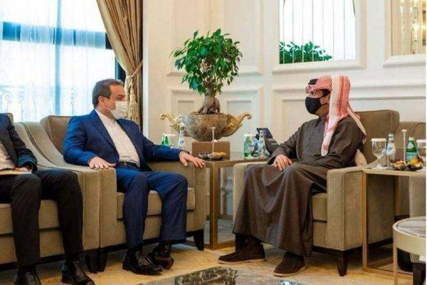 دیدار عراقچی با وزیران امور خارجه و دفاع قطر