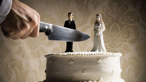 زنی که با دیدن یک عکس با چاقو به شوهرش حمله کرد!+ عکس