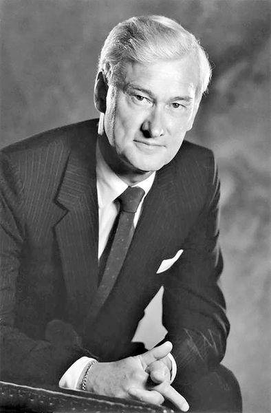 والاس مککین، بازرگان کانادایی