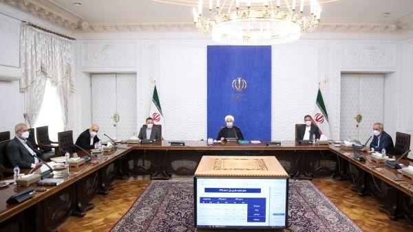 روحانی: قیمت فعلی ارز با واقعیت اقتصاد کشور سازگار نیست و رو به کاهش خواهد بود