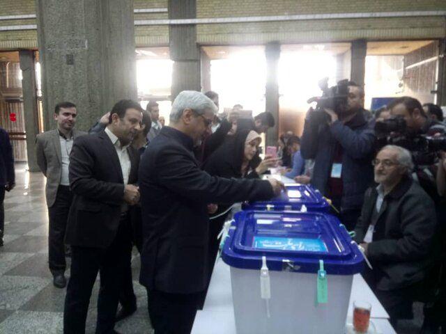 شرکت رئیس ستاد انتخابات کشور در انتخابات