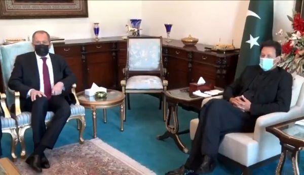 رایزنی عمرانخان و لاوروف با محوریت خاورمیانه