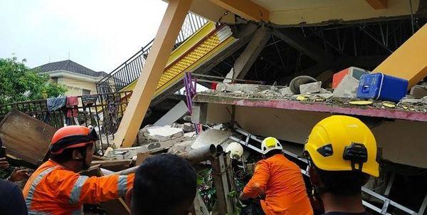 ۲۶ کشته و صدها زخمی بر اثر زلزله در اندونزی+عکس